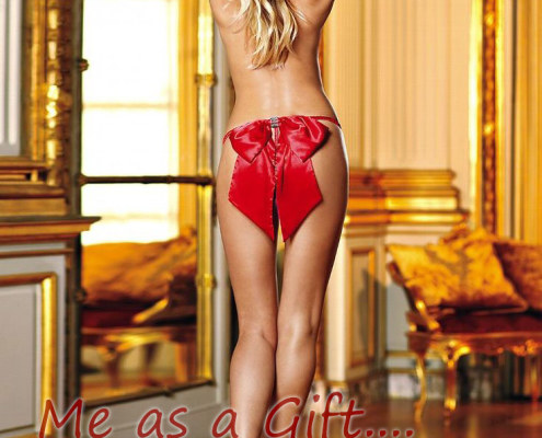 Sexy girl is dressing for Christmas! Me as a gift - London courtesan